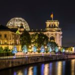 Reichstag und Reichstagsufer, lizensiert bei Adobe Stock