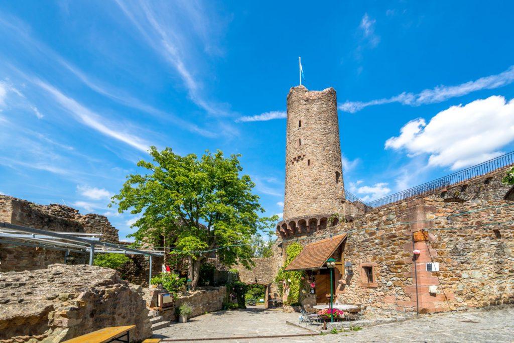 Burg Windeck, lizensiert bei Adobe Stock