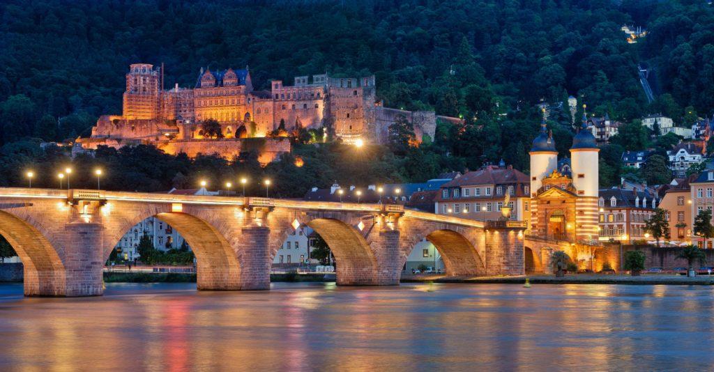 Heidelberg, Alte Brücke und Schloss. lizensiert bei Adobe Stock