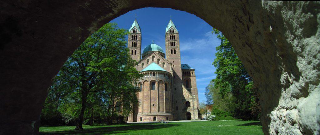 Dom zu Speyer, lizensiert bei Adobe Stock
