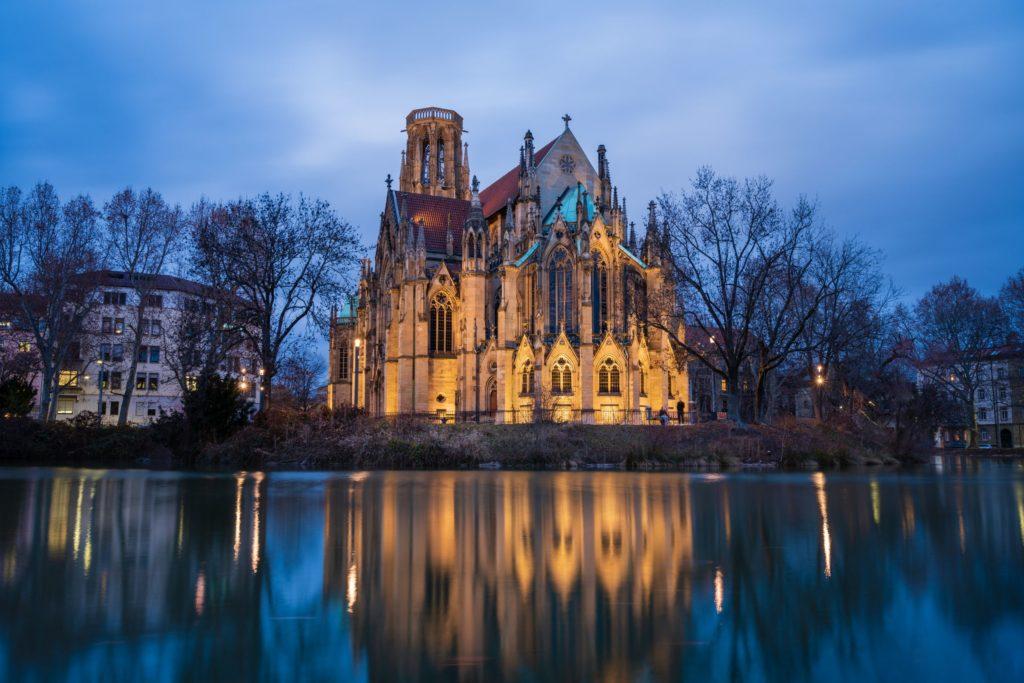 Johanneskirche, lizensiert bei Adobe Stock