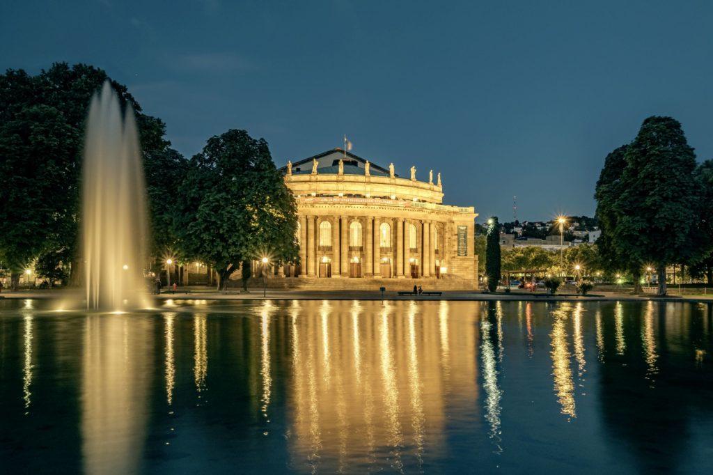 Oper Stuttgart, lizensiert bei Adobe Stock