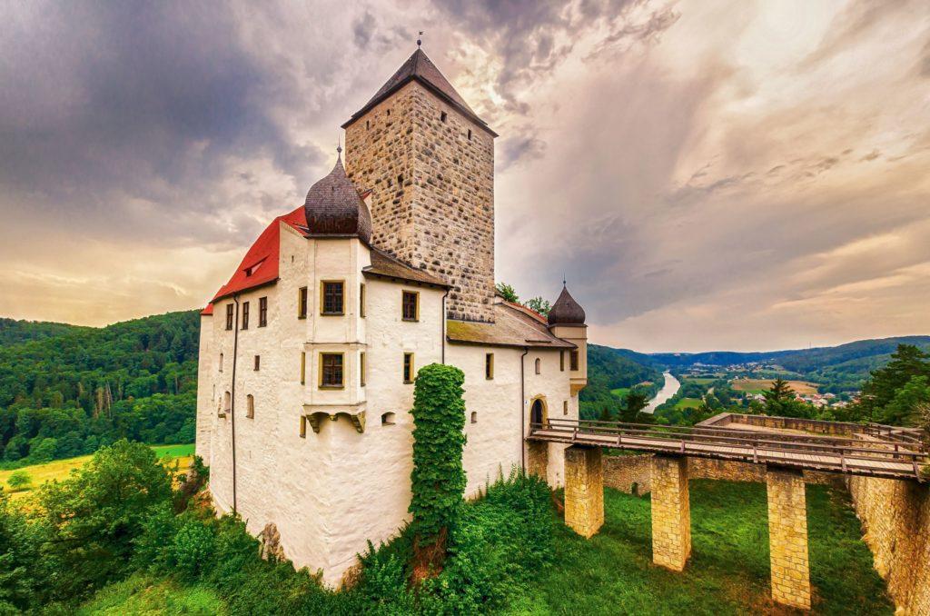 Burg Prunn, lizensiert bei Adobe Stock