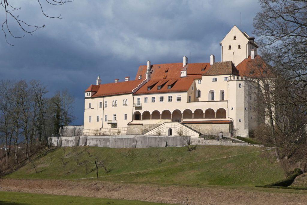 Schloss Seefeld, lieznsiert bei Adobe Stock