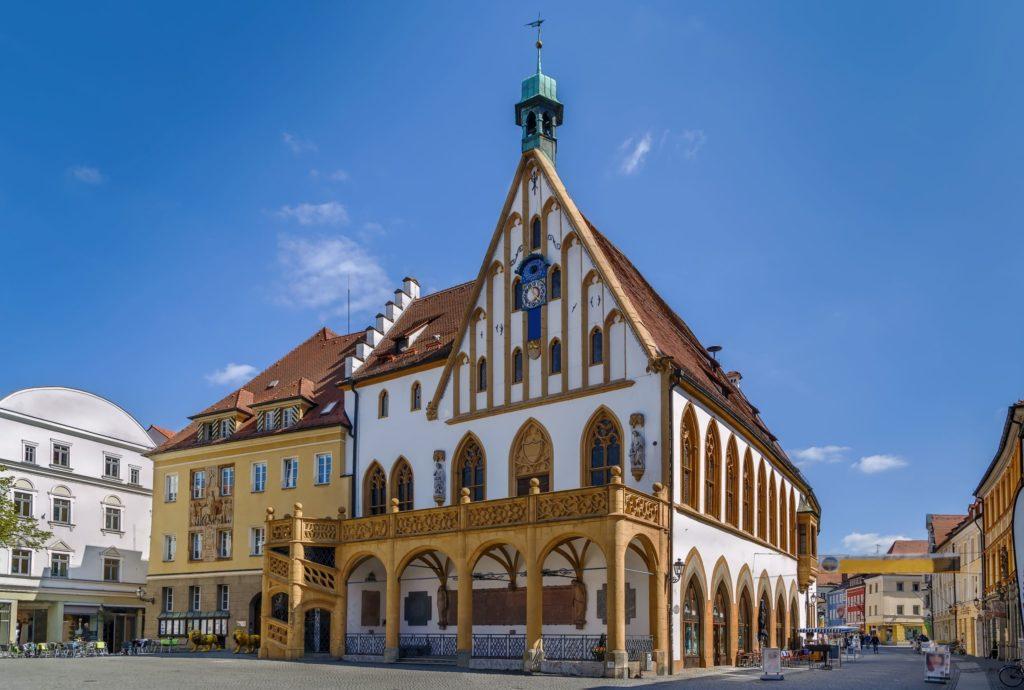 Rathaus Amberg, lizensiert bei Adobe Stock