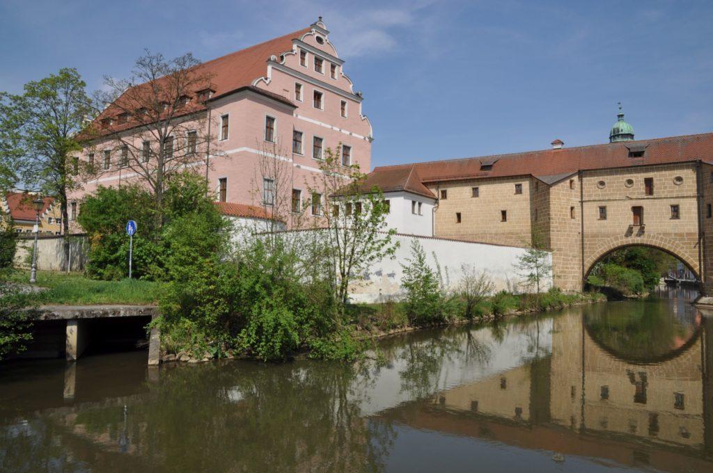 Schloss Amberg, lizensiert bei Adobe Stock