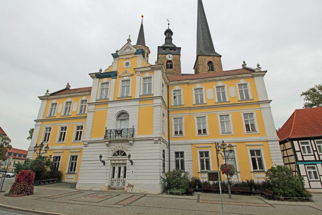 Burg Rathaus, lizensiert bei Adobe Stock