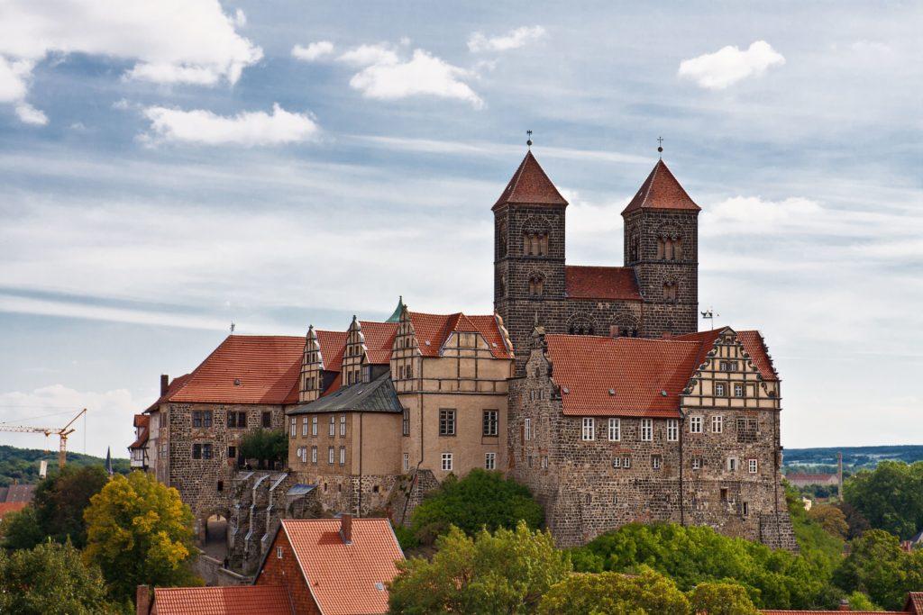 Schlossberg in Quedlinburg, lizensiert bei Adobe Stock