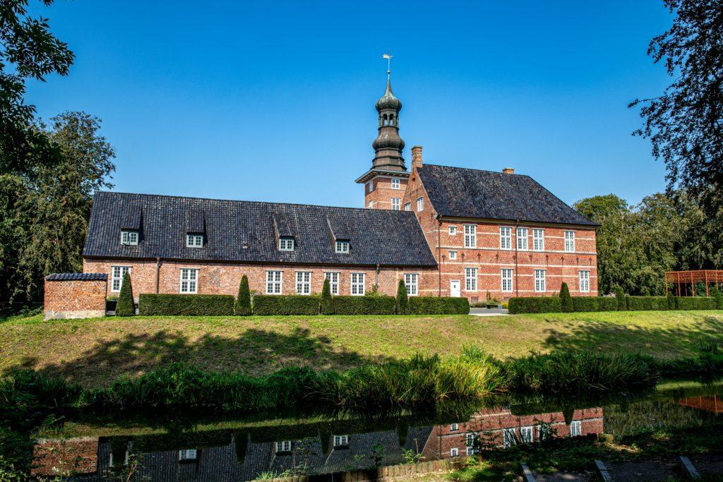 Schloss vor Husum, lizensiert bei Adobe Stock