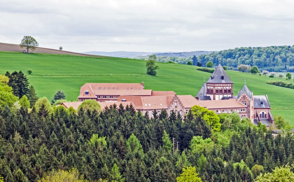 Arnold-Janssen-Gymnasium, lizensiert bei Adobe Stock