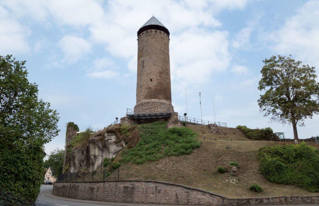 Burg Veldenz, lizensiert bei Adobe Stock