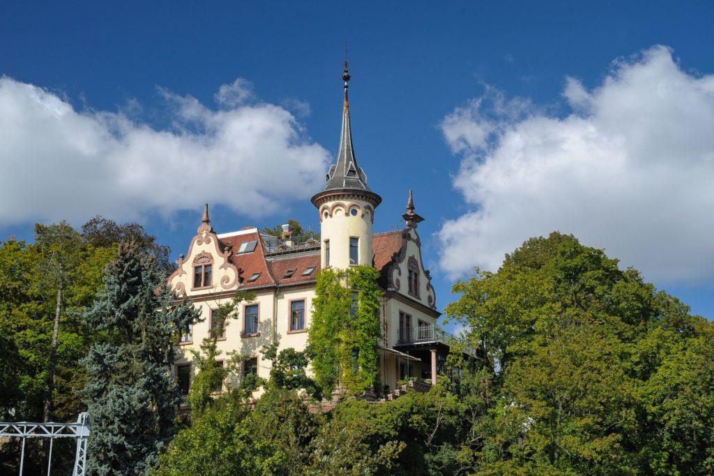 Schloss Gattersburg, lizensiert bei Adobe Stock