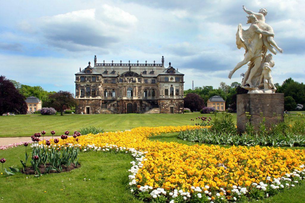 Palais Großer Garten, lizensiert bei Adobe Stock