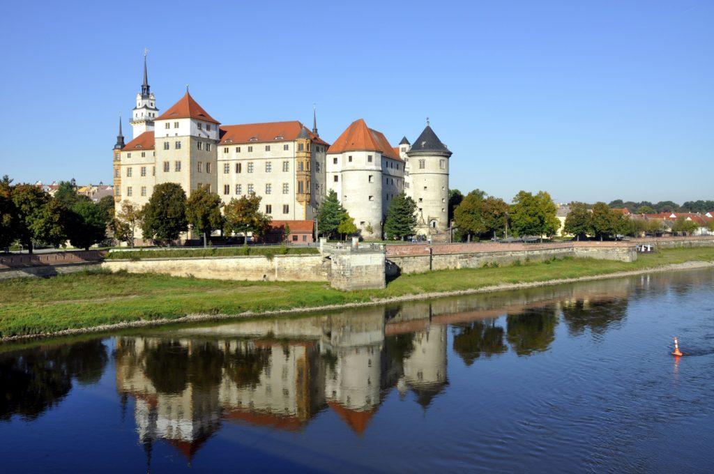 Schloss Hartenfels, lizensiert bei Adobe Stock