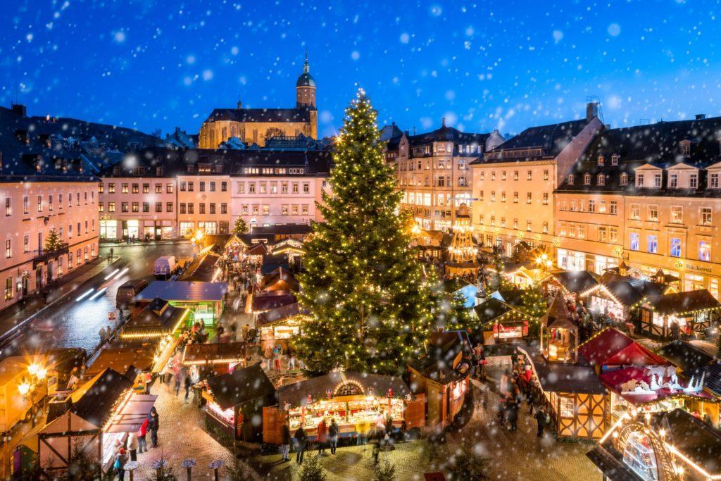 Weihnachtsmarkt in Annaberg-Buchholz, lizensiert bei Adobe Stock