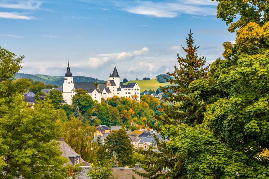 Schwarzenberg Schloss, lizensiert bei Adobe Stock