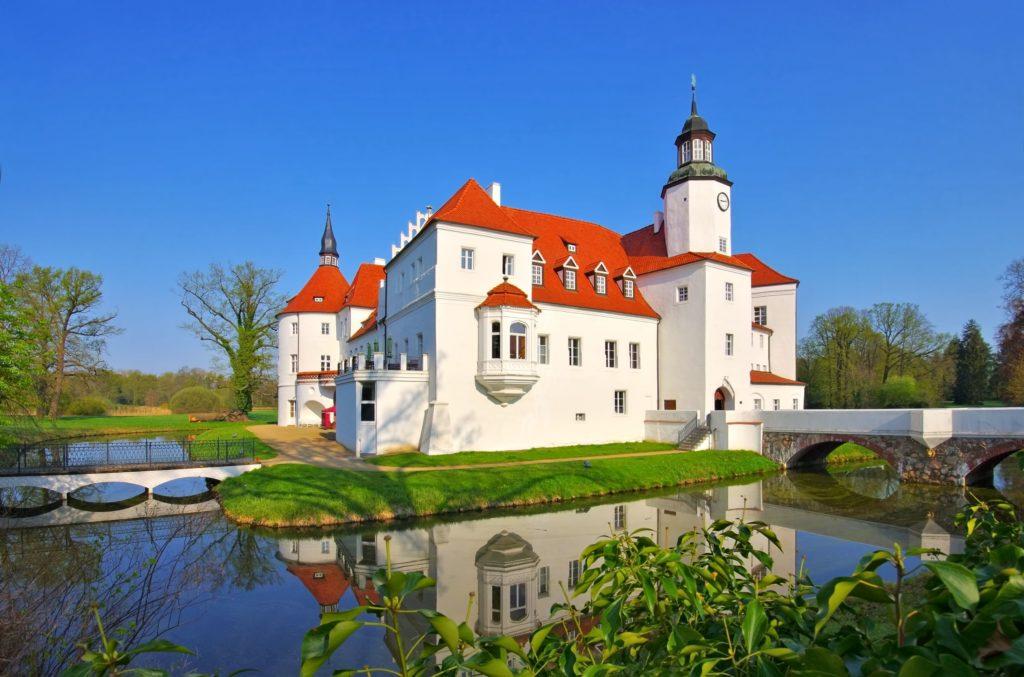 Fuerstlich Drehna Schloss, lizensiert bei Adobe Stock