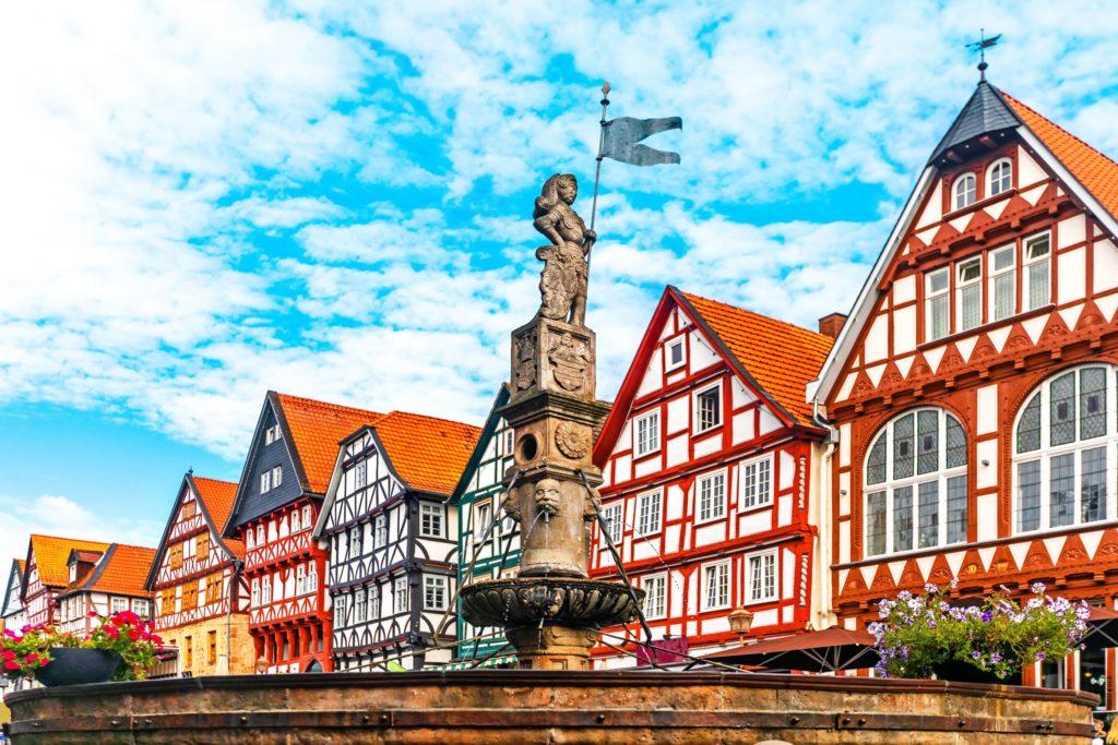 Rolandbrunnen in Fritzlar, lizensiert bei Adobe Stock
