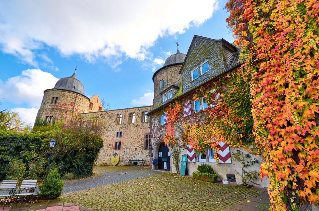 Dornröschenschloss Sababurg, lizensiert bei Adobe Stock
