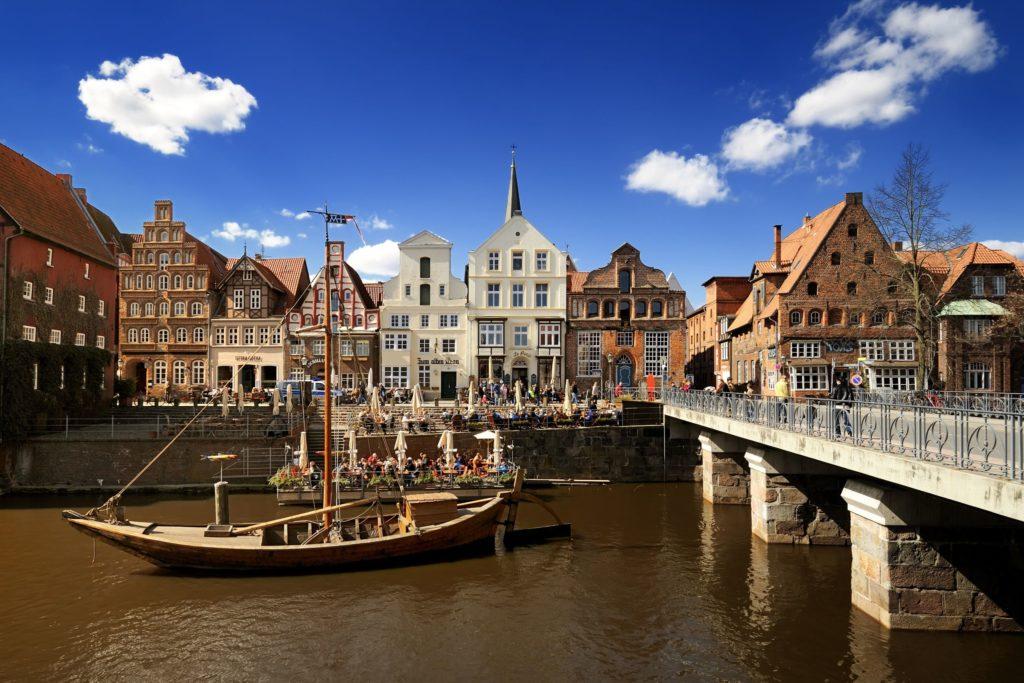 Lüneburg Stintmarkt, lizensiert bei Adobe Stock