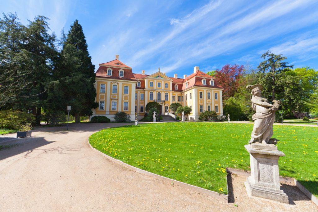 Schloss Rammenau, lizensiert bei Adobe Stock