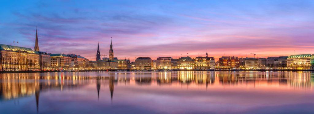 Binnenalster Hamburg, lizensiert bei Adobe Stock